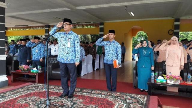 Bupati Mursini Pimpin Upacara Peringatan HGN dan HUT PGRI ke 72 di Kuansing