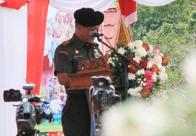 Irjen TNI Letjen Muhammad Satyo Sularso Buka Pencanangan TNI KB-Kes Nasional di Kabupaten Rohul